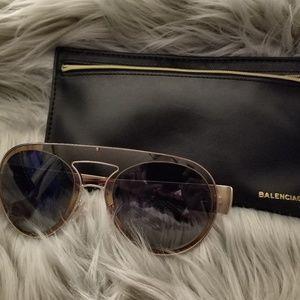 🇺🇸Balenciaga Smoke  Aviator Sunglasses.